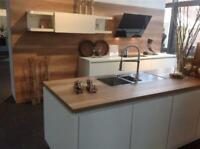 Neue EINBAUKÜCHE mit Insel Küche Küchenblock Küchenzeile NEU Nordrhein-Westfalen - Herford Vorschau