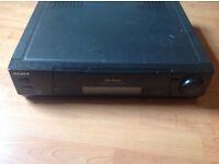 Sony SLV 720HF Hi-Fi Stereo VCR 9NO REMOT)
