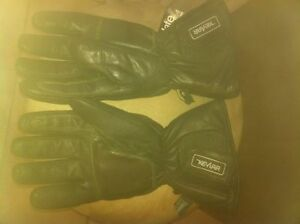 NEW  MOTORCYCLE WINTER GLOVES WITH KEVLAR AND THINSULATE Windsor Region Ontario image 5