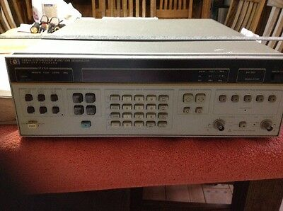 Hewlett Packard Synthesizerfunction Generator 3325a