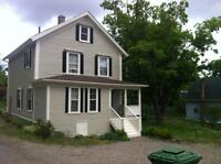 Lovely House In Town of Canning - 15 Min. Drive to Wolfville