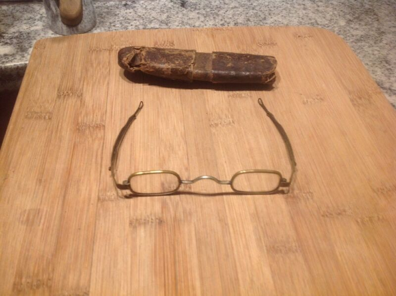 Antique Reading Glasses with Adjustable Temples in Cardboard Case Gold Tone