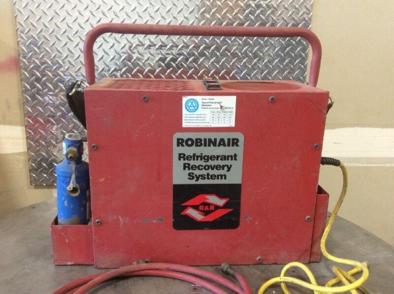 ROBINAIR 17650A REFRIGERANT RECOVERY RECYCLING MACHINE