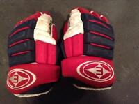 Pro Return Game Used Easton Montreal Canadiens hockey gloves