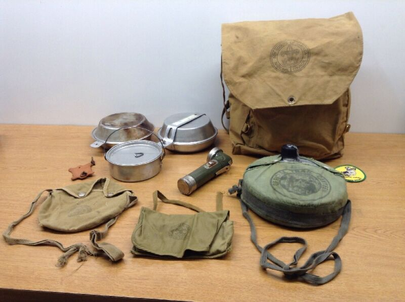HUGE LOT OF VINTAGE BOY SCOUTS OF AMERICA BACKPACK CANTEEN FLASHLIGHT POUCH