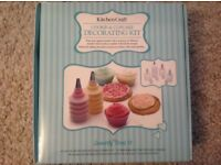 New Sweetly Does It Cookie and Cupcake Decorating & Cake Icing Kit