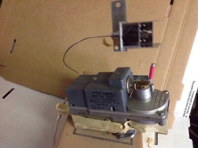 Speed Queen Huebsch. Commercial Dryer Gas Valve. 53377.  Box119 12