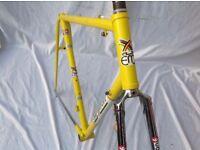 EDDY MERCKX - PROFESSIONAL - FRAME & FORKS 1980s - 57cm C-T-C COLUMBUS