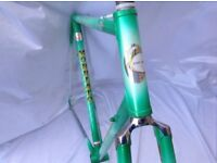 MORBIATO ORIA SPECIAL PEARL WHITE GREEN FRAME & FORKS 56 CM C-T-C 80s