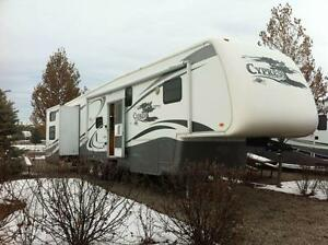 Newmar Cypress 35RBCK 5th Wheel for sale