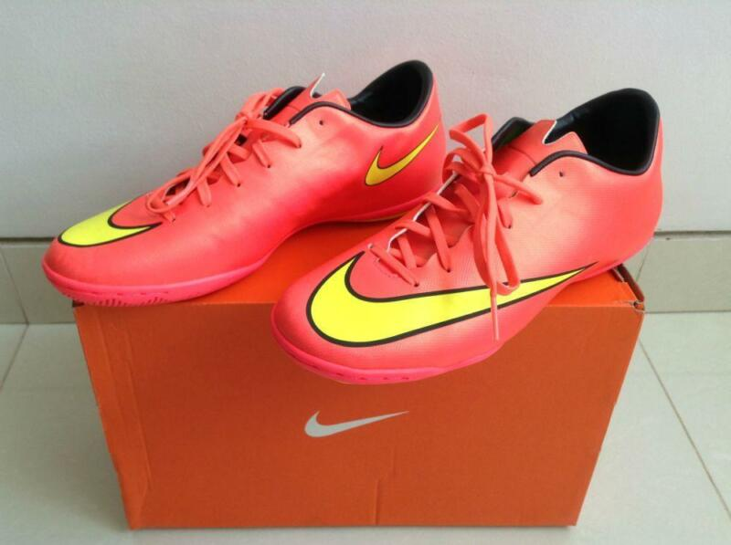 Nike Shoes - MERCURIAL VICTORY V IC