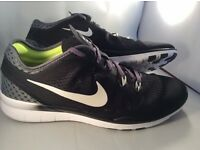 NEW WOMENS NIKE FREE TR FIT 5.0 BLACK TRAINERS UK SIZE 9.5