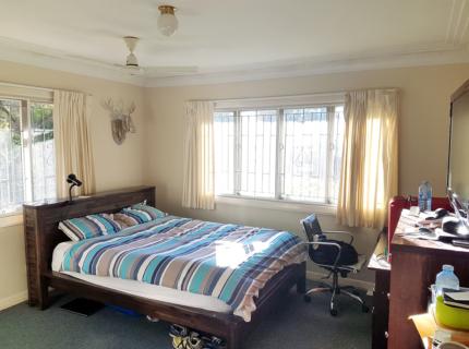 Cheap Spacious Room in St Lucia near UQ