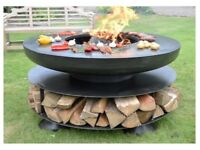 FIRE PIT / BBQ WITH BUILT IN BBQ RING