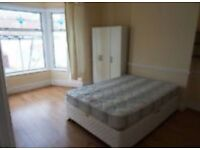 A KING size room to rent in EASTHAM including bills