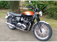 Triumph Bonneville T100. 2016. Immaculate. FSH. Warranty. £69 UK delivery.
