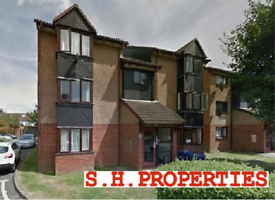 Studio flat in PASTEUR CLOSE, COLINDALE, NW9 5HQ