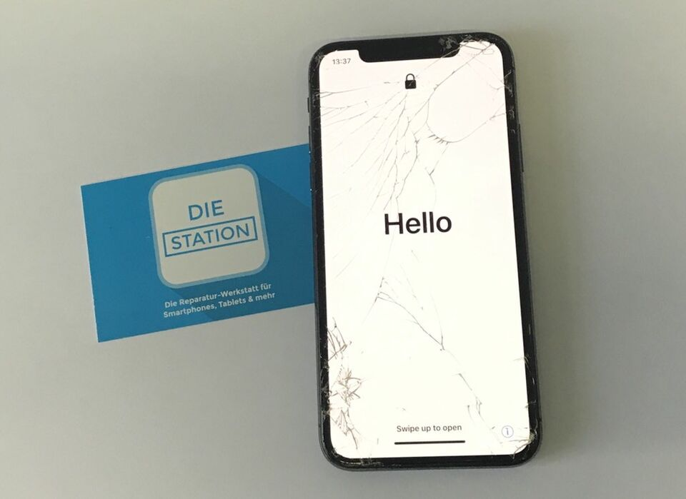 Apple IPhone IPad Pro Display Glas Akku Reparatur Austausch in Düsseldorf