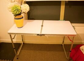 Foldable Aluminium Table, very light weight but sturdy