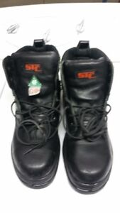"""Safety work boots mens 6"""" high size 9 & 1/2 EEE. $70.00"""