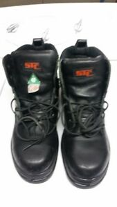 Safety Work Boots Black leather size 9 1/2 price drop to $50