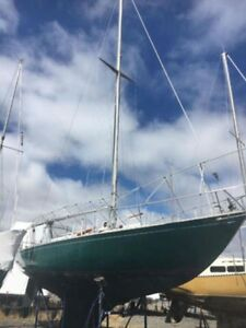 Hughes 38 -  Blue water sailing capable boat - Reduced Must Sell