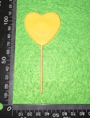 COLLECTABLE FRIDGE MAGNET - YELLOW HEART LOLLIPOP  (JJ06)