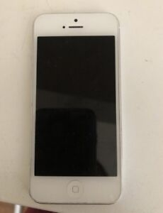 WHITE IPHONE 5 ROGERS/FIDO/CHAT-R