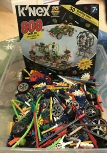 800 piece KNEX with 50 page book