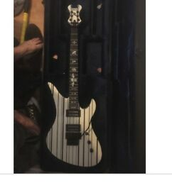 Schecter synyster gates guitar custom perfect condition