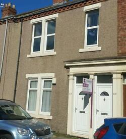 3 bed upper flat to let
