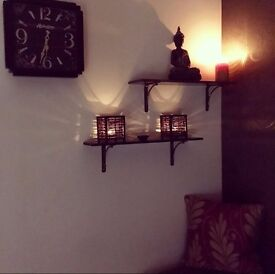 Massage Therapist, beauty couch/room to Rent