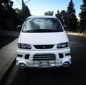 2003 Mitsubishi Delica Spacegear high roof PRICED TO SELL