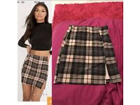 Size 8 checkered side split mini skirt