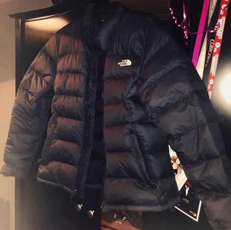 Womens North face nuptse coat size mediumin Old Swan, MerseysideGumtree - Womens North face coat only worn a handful of times bought for £180 from JD a few months ago. Would probably fit womens size 10 12. Open to offers