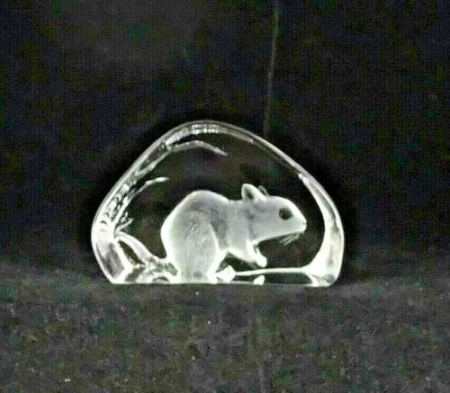 Mats Jonasson Swedish Lead Crystal Squirrel Sculpture Paperweight