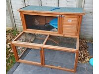 Bunny Business Drop Hutch and Run Rabbit/ Guinea Hutches, 4 ft