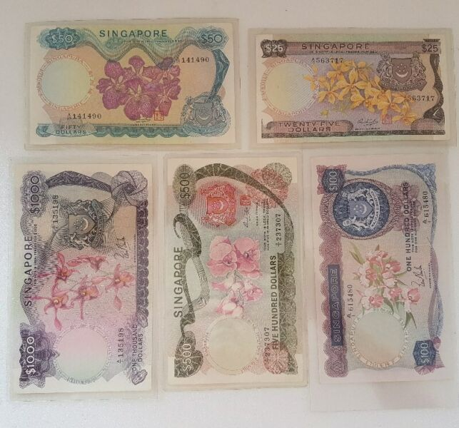 Rare Set of 5 Orchid Series Bank Notes, Old Singapore Notes, Issued from 1967 to 1976, $25 to $1000
