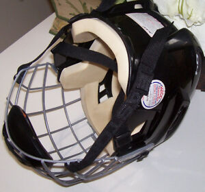 CCM Vector 04 Sm. Hockey Helmet + Easton Stealth S17 Cage London Ontario image 2
