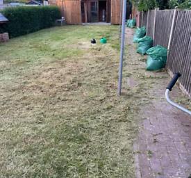 Gardens cleaner grass cutting