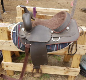 "15"" Wintec Western Saddle, Barrel Pad, and Girth"