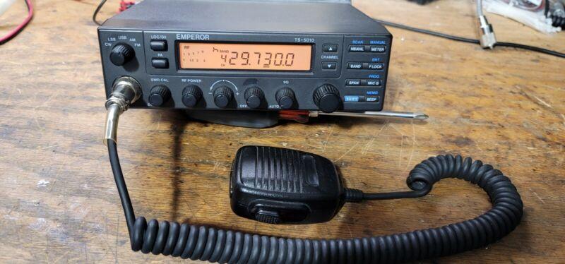 UNIDEN TEN METER RADIO 5010