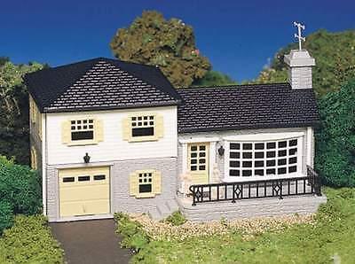 Bachmann plasticville usa split level house ho building for Split level kit homes
