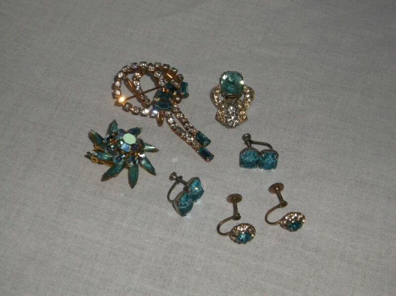 VINTAGE 1 BROOCH 6 EARRING SET FAUX DIAMOND CRYSTAL TOPAZ BLUE CLIP SNAP ON VGUC
