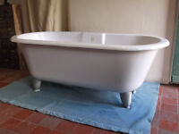 Stone resin period style free standing roll top bath with heavy alloy feet