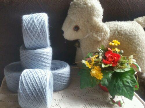 Wollpaket 0,260 kg schöne Schurwolle Himmelblau  Eisblau Sockenwolle
