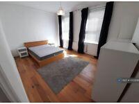 2 bedroom flat in Worple Road, London, SW20 (2 bed) (#1003086)