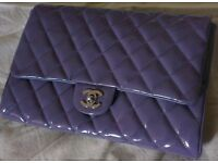 BEAUTIFUL CHANEL lavender quilted patent timeless classic flap clutch