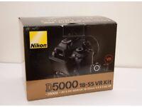 Nikon D5000 DSLR Lens Kit