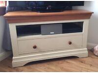 Like New Solid Oak Furniture Set